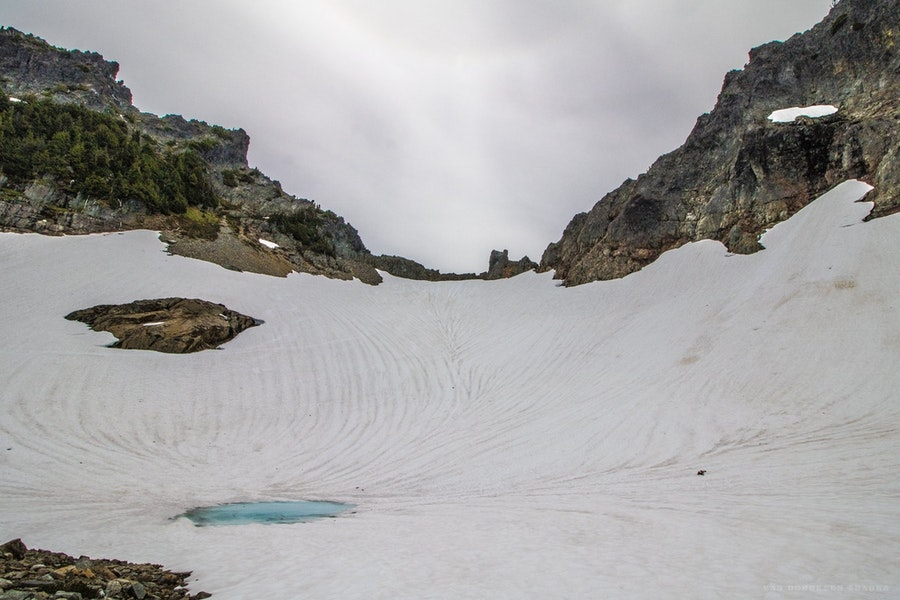 Pinnacle Glacier, The Castle (left), Pinnacle Peak (right)
